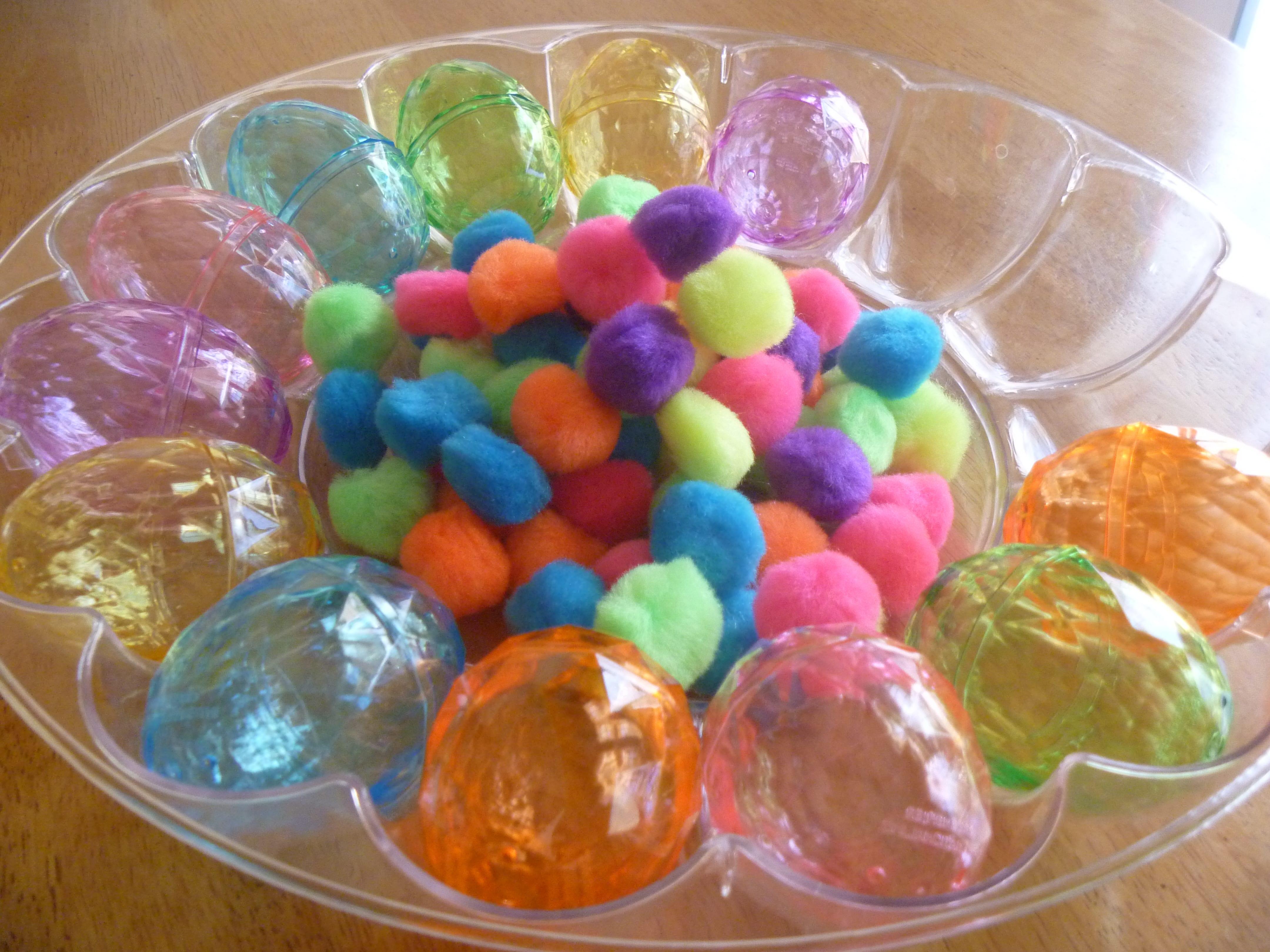 2014 Egg pom pom blog 009